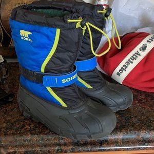 Sorel boys snow boots